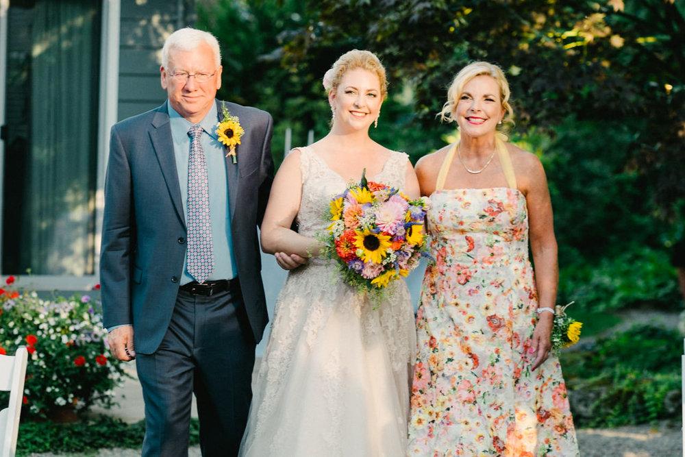 backyard-vancouver-washington-wedding-048.jpg