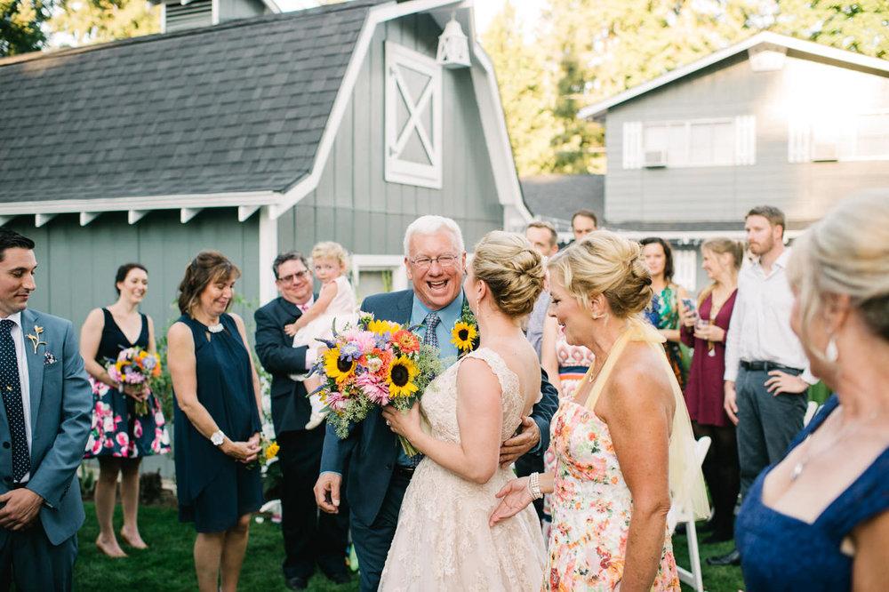 backyard-vancouver-washington-wedding-049.jpg
