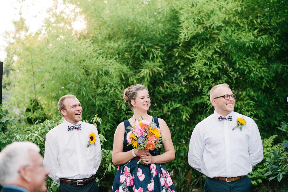 backyard-vancouver-washington-wedding-054a.jpg