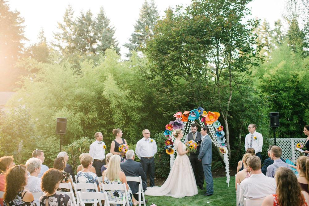 backyard-vancouver-washington-wedding-055.jpg