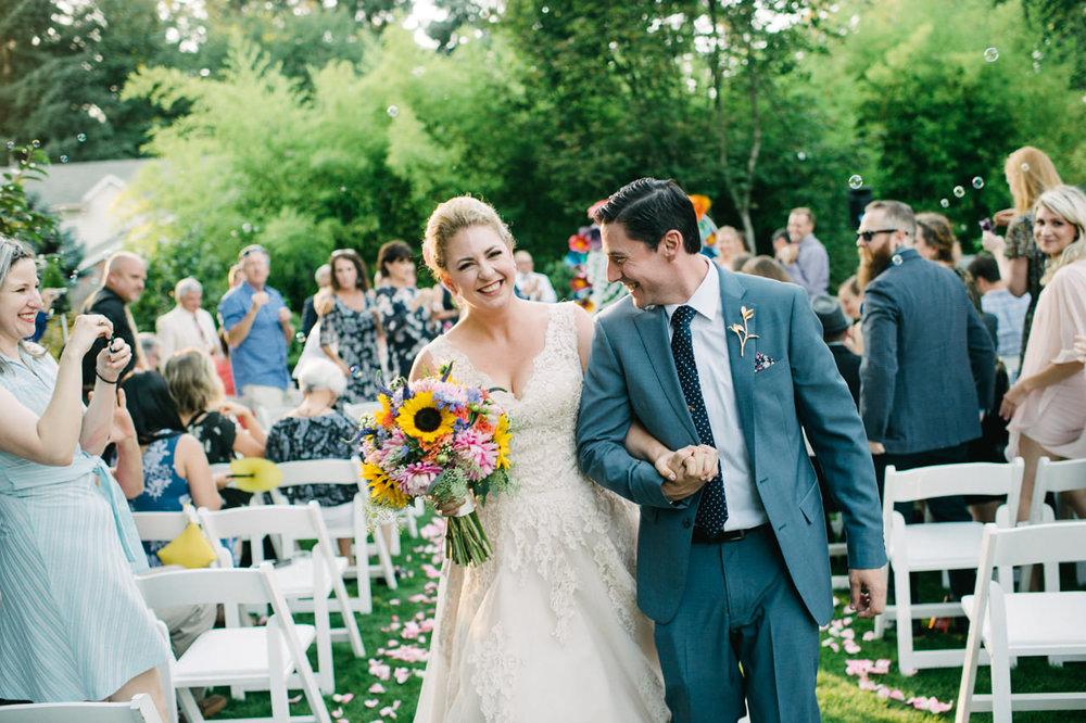 backyard-vancouver-washington-wedding-060.jpg