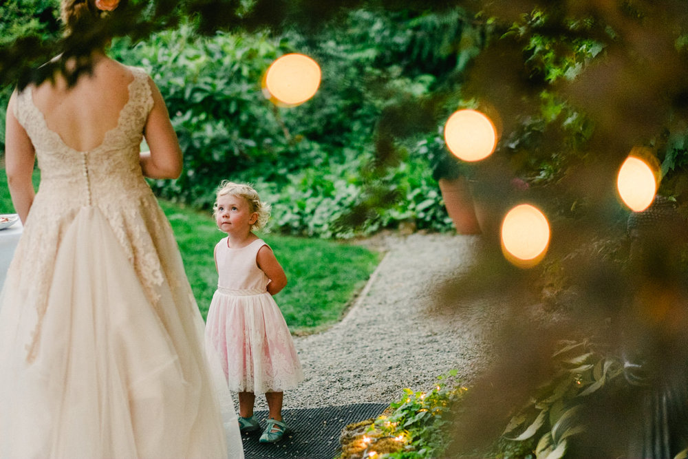 backyard-vancouver-washington-wedding-063.jpg