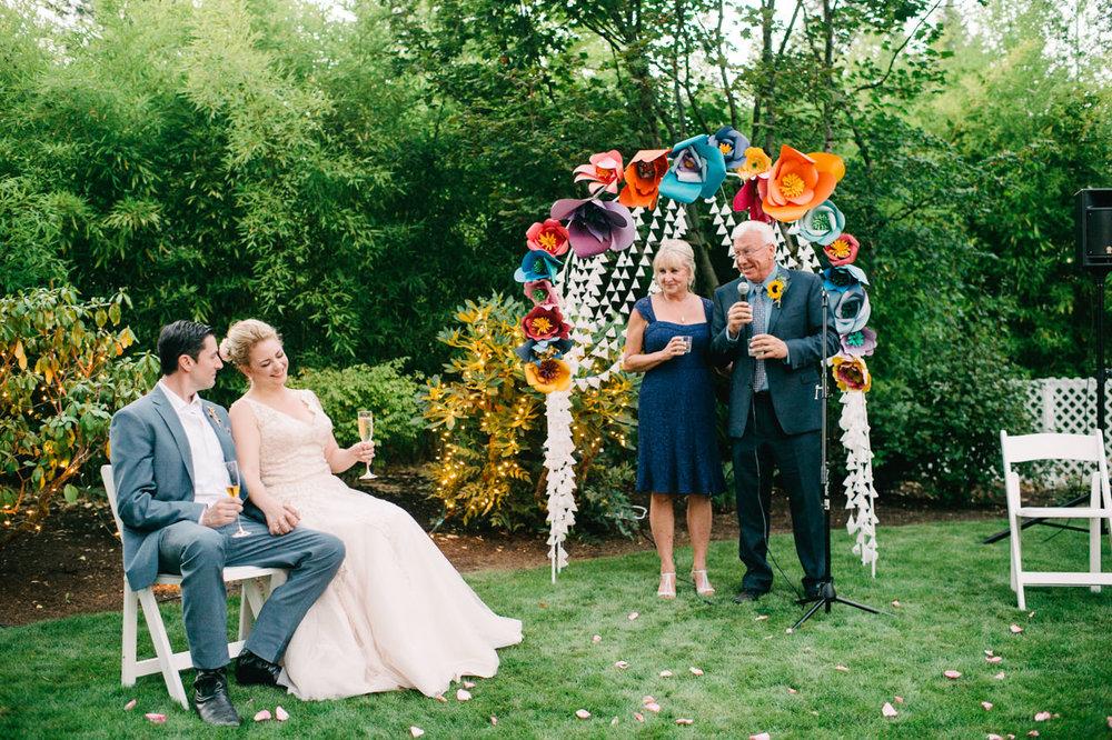 backyard-vancouver-washington-wedding-065.jpg
