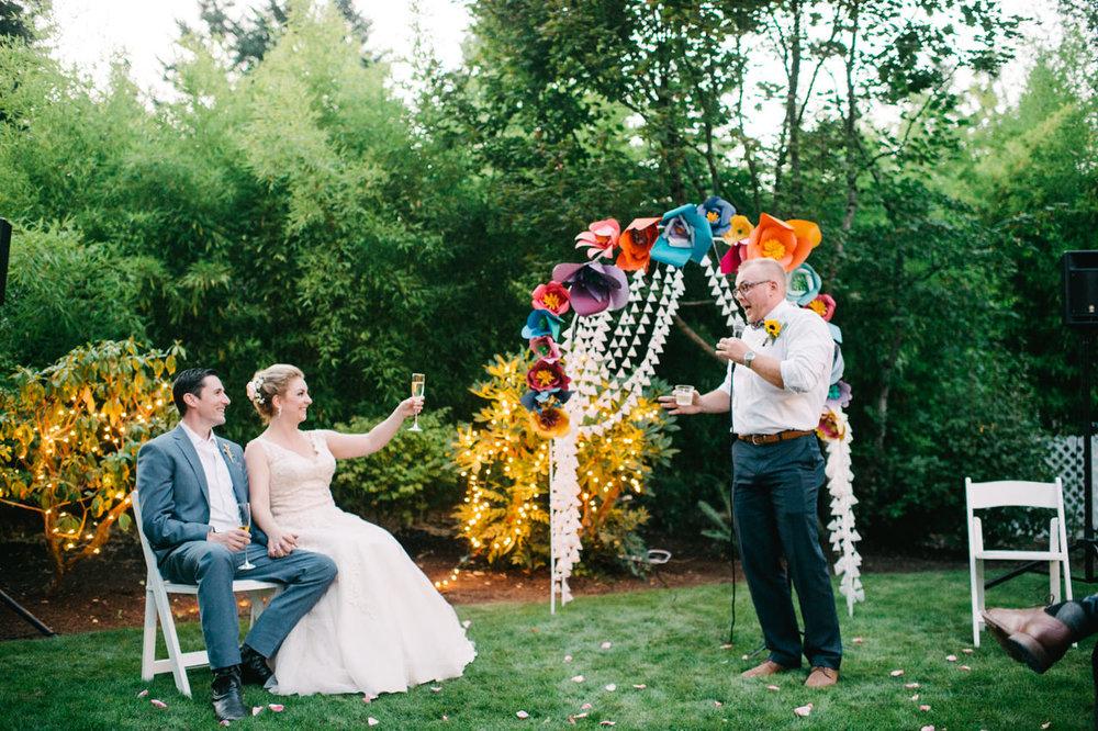 backyard-vancouver-washington-wedding-069.jpg
