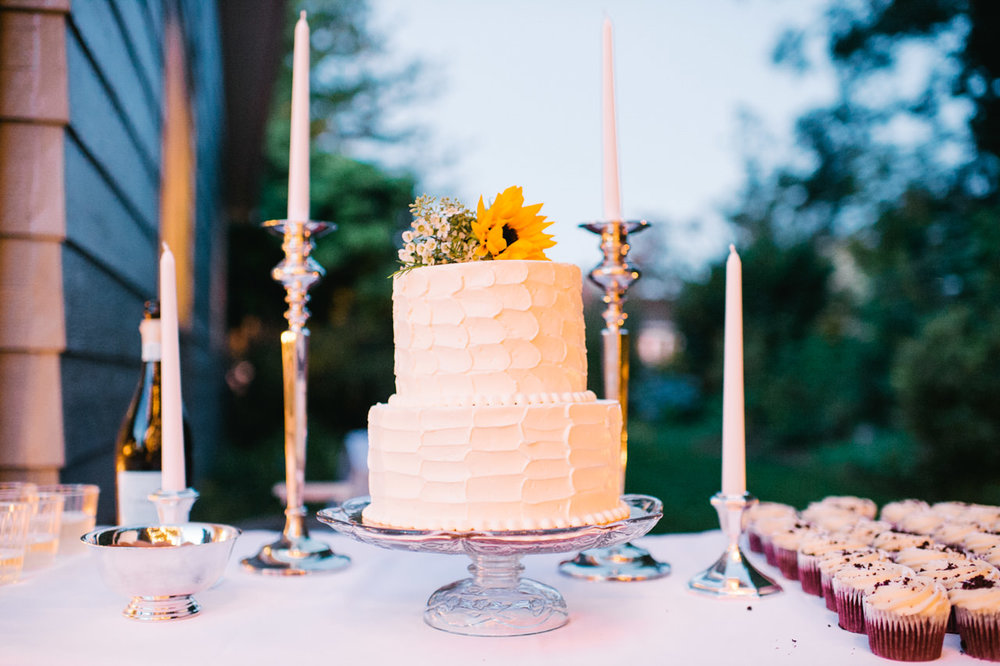 backyard-vancouver-washington-wedding-073.jpg