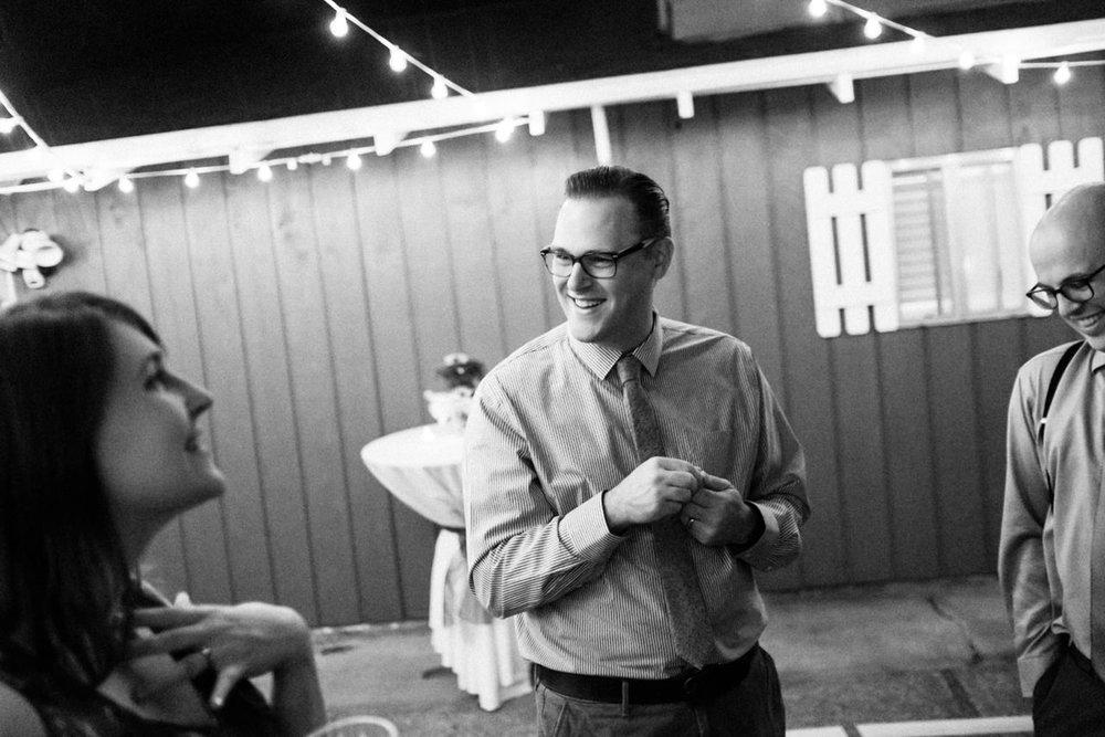 backyard-vancouver-washington-wedding-077.jpg