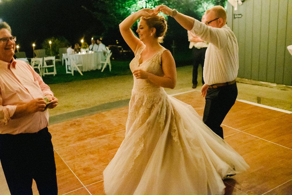 backyard-vancouver-washington-wedding-078.jpg