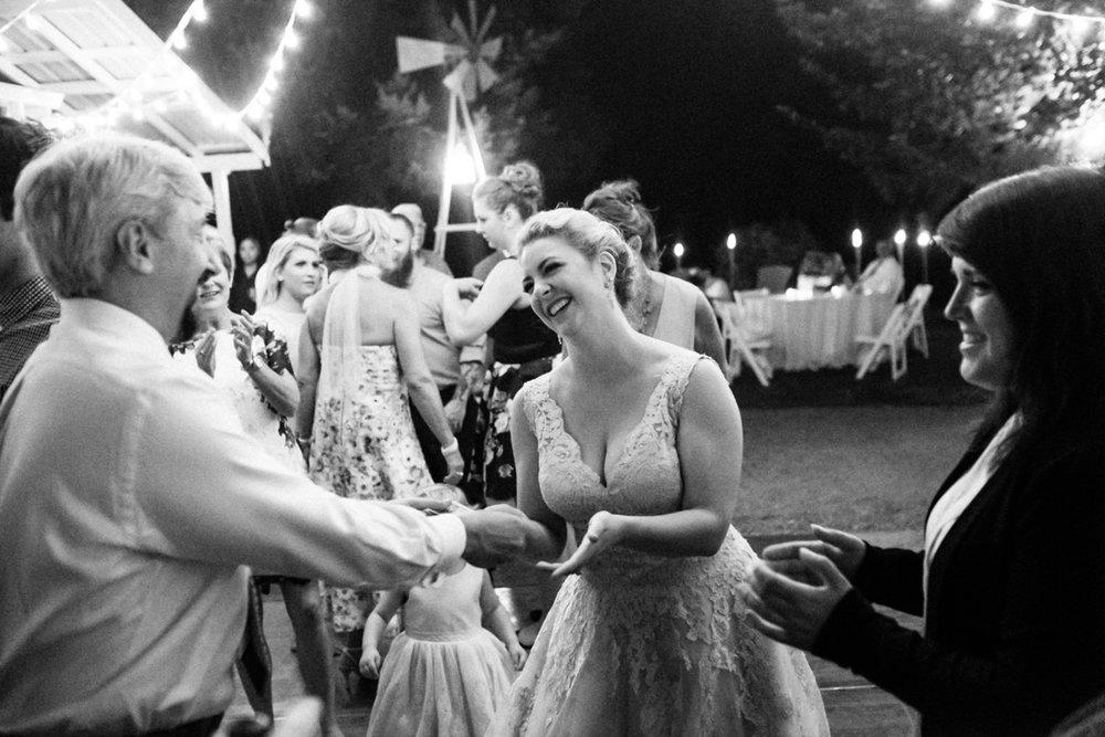 backyard-vancouver-washington-wedding-080.jpg