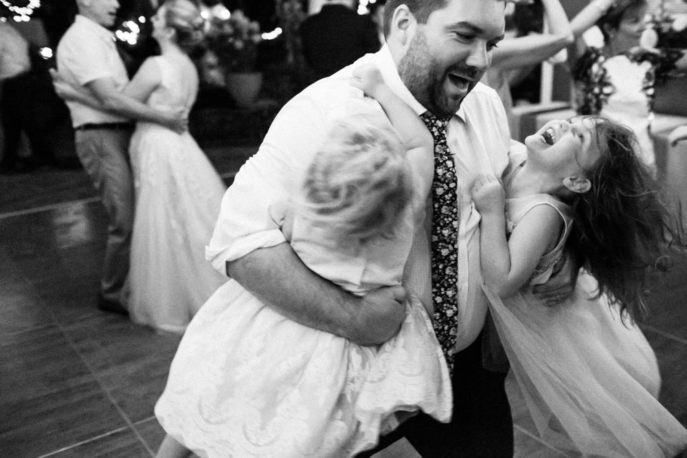 backyard-vancouver-washington-wedding-082.jpg