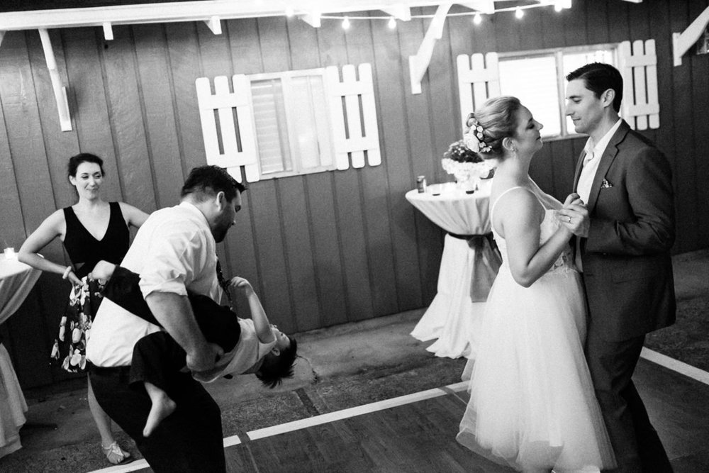 backyard-vancouver-washington-wedding-094.jpg