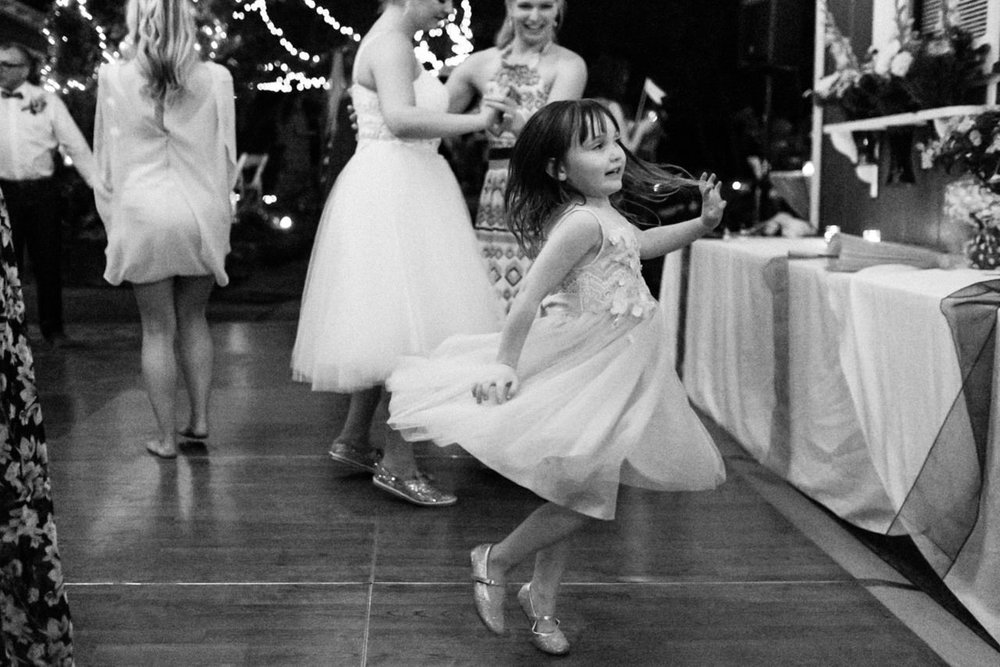 backyard-vancouver-washington-wedding-098.jpg