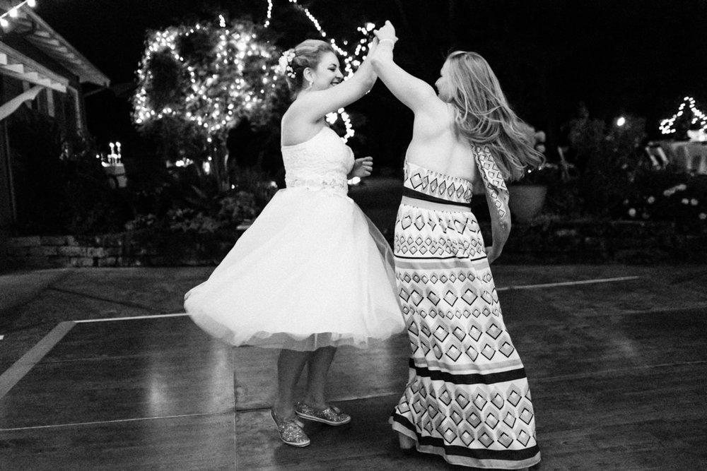 backyard-vancouver-washington-wedding-104.jpg
