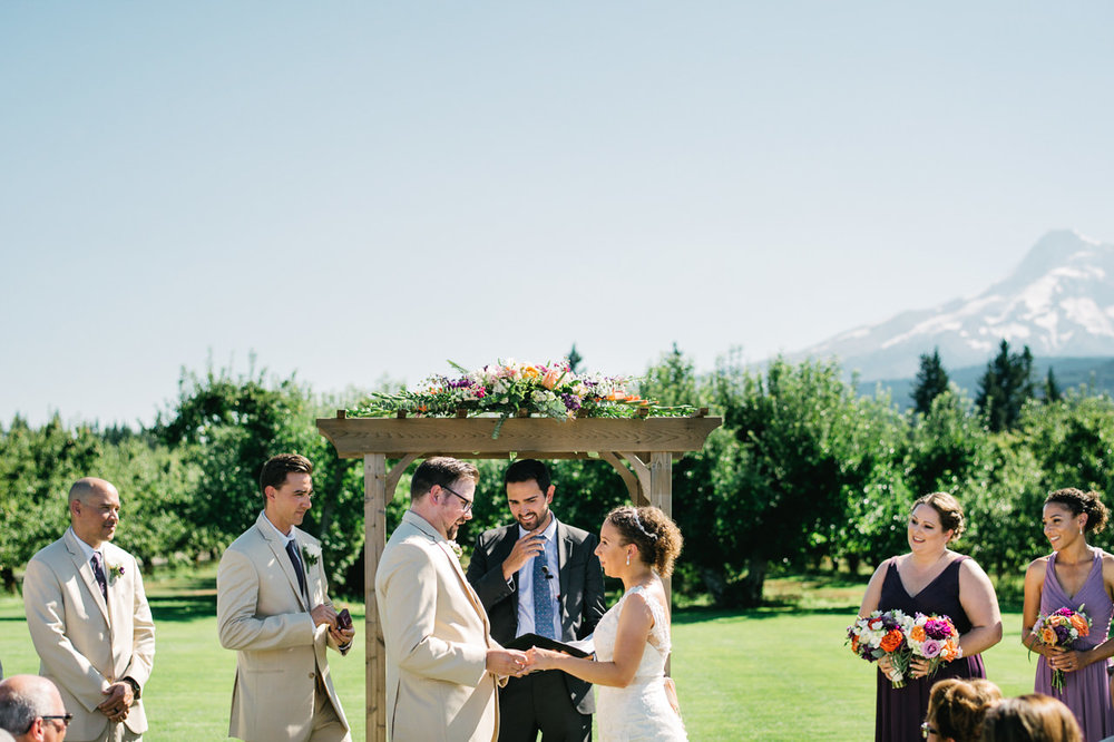 mt-view-orchards-hood-river-wedding-054.jpg