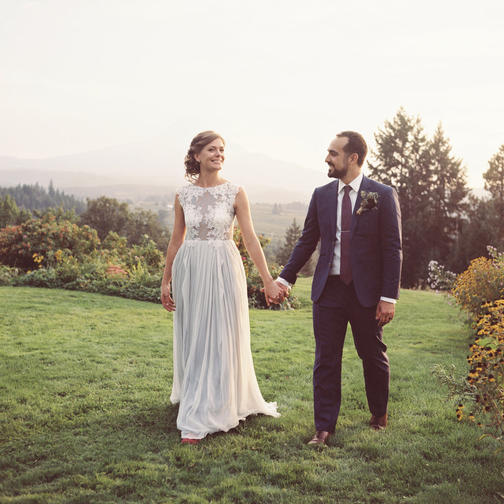 mt-hood-organic-farms-film-wedding-20a.jpg