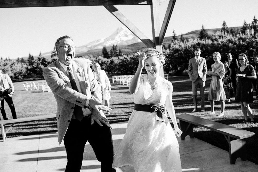 mt-view-orchards-oregon-wedding-094.jpg
