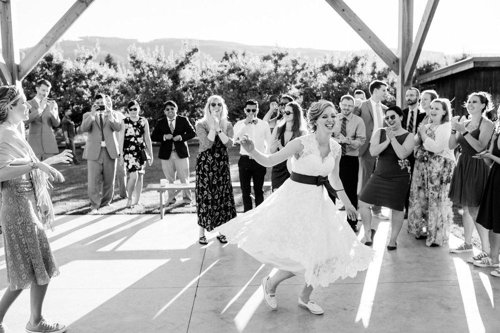 mt-view-orchards-oregon-wedding-104.jpg