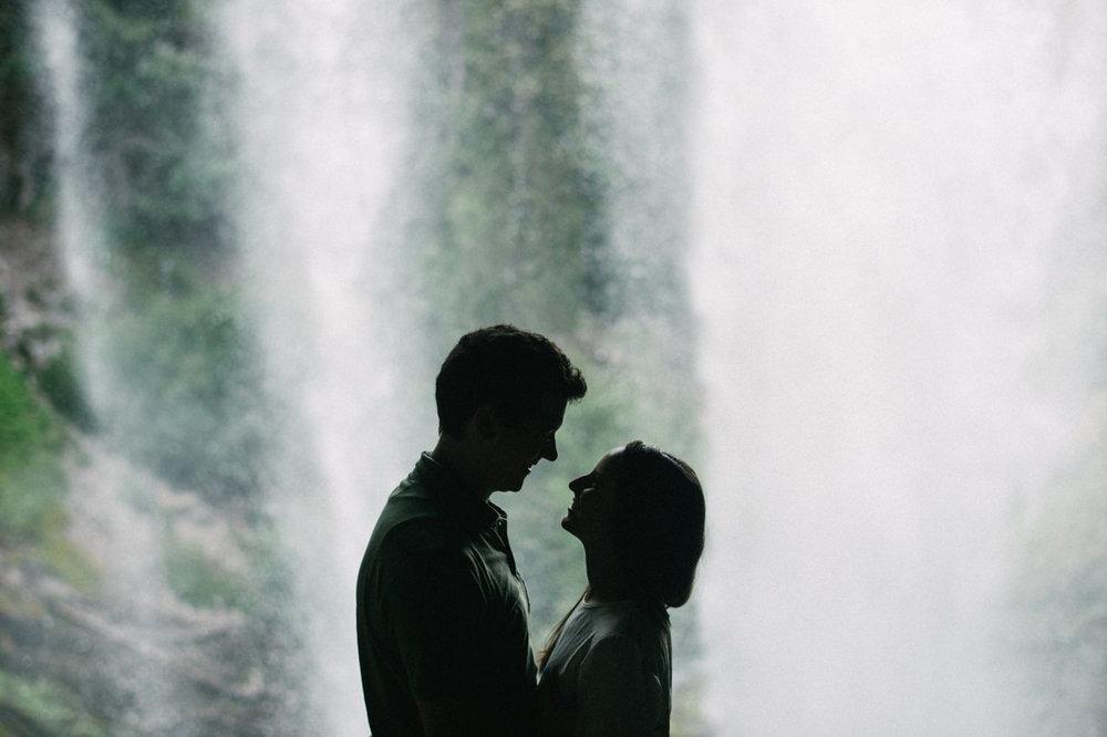 mt-hood-tamawanas-falls-engagement-032.jpg