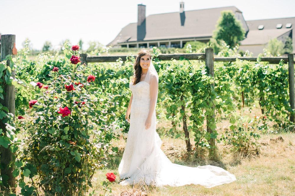 zenith-vineyards-salem-oregon-wedding-033.jpg