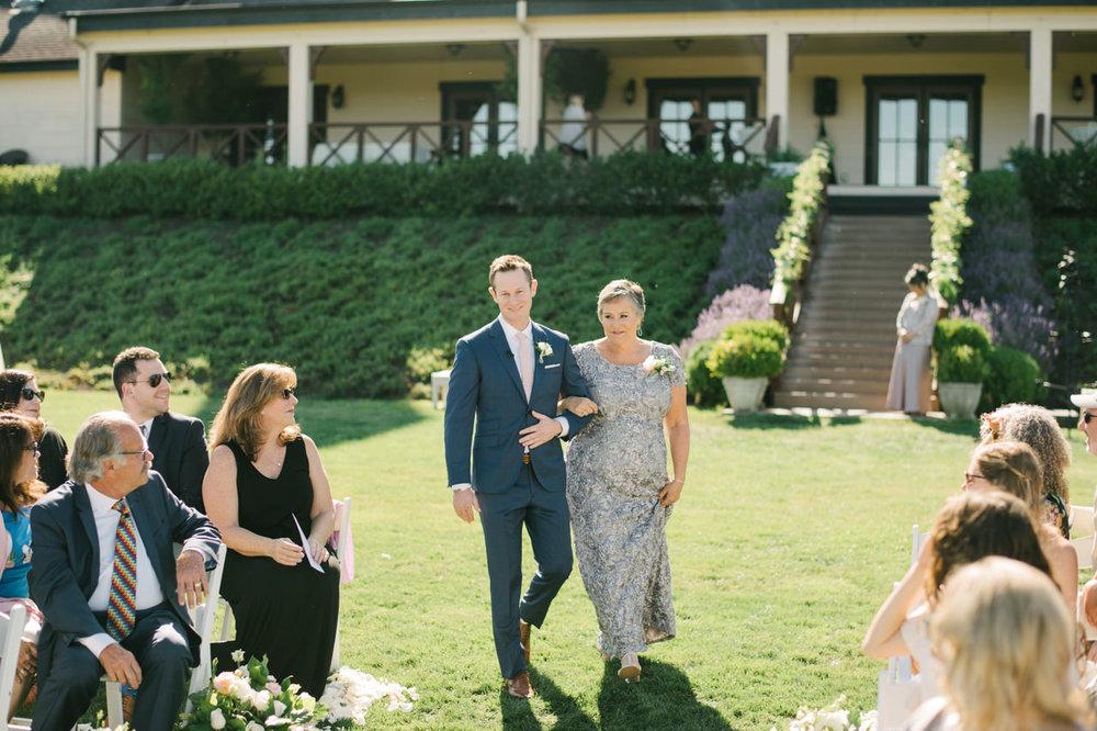 zenith-vineyards-salem-oregon-wedding-046.jpg