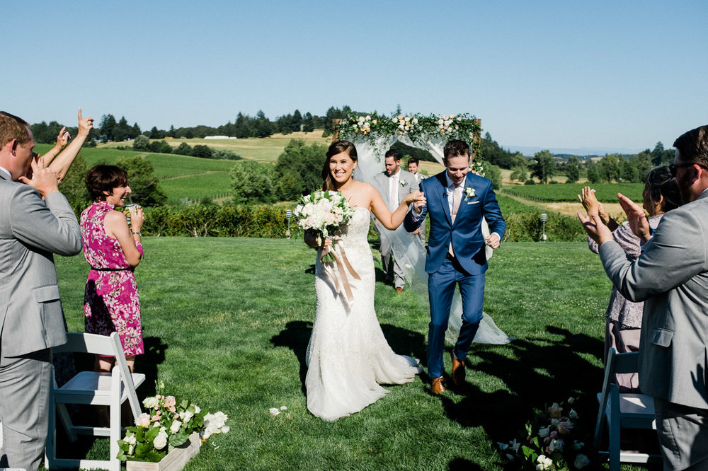 zenith-vineyards-salem-oregon-wedding-060.jpg