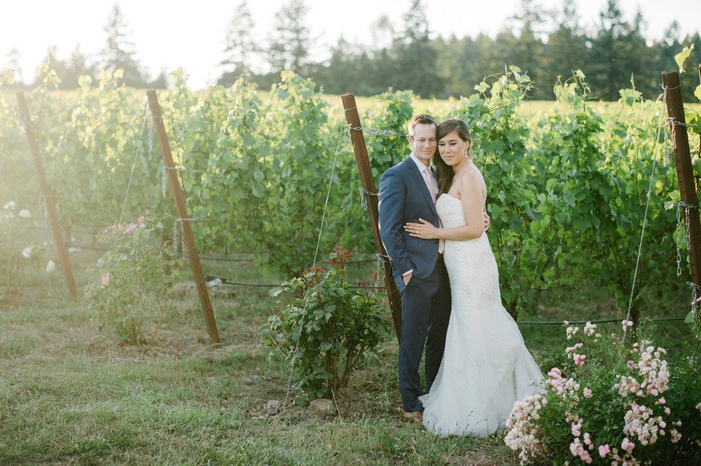 zenith-vineyards-salem-oregon-wedding-079.jpg