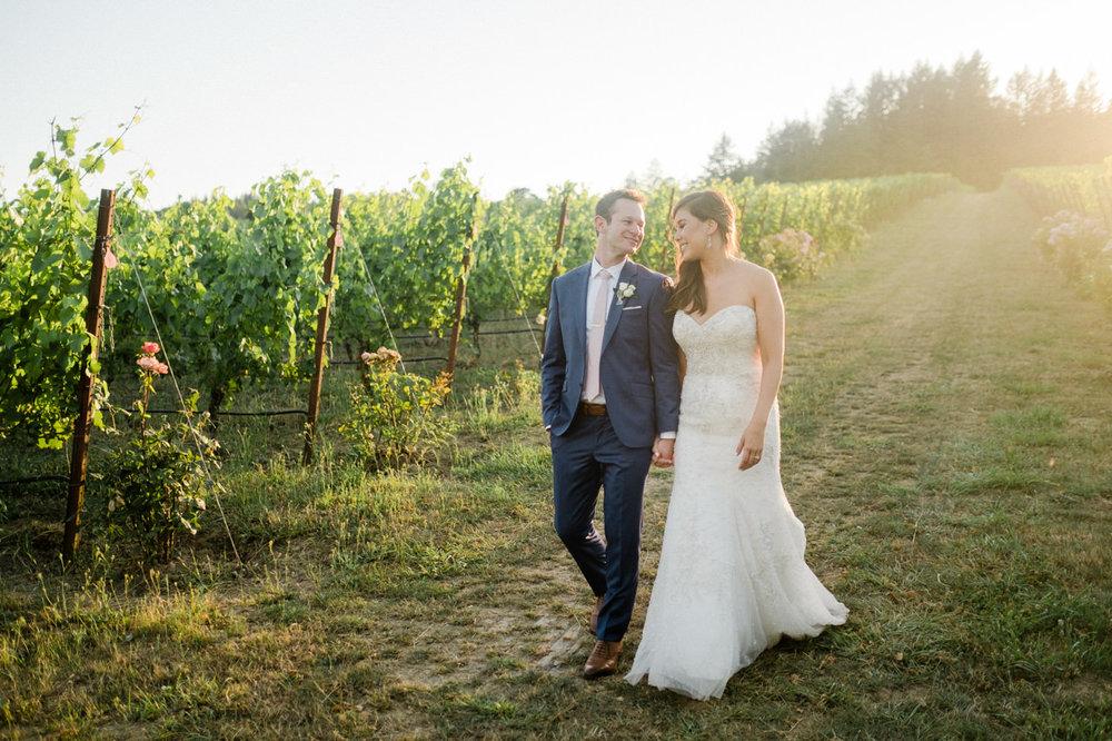 zenith-vineyards-salem-oregon-wedding-082.jpg