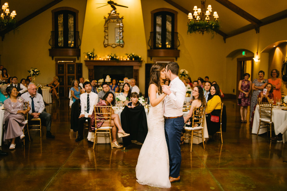 zenith-vineyards-salem-oregon-wedding-094.jpg