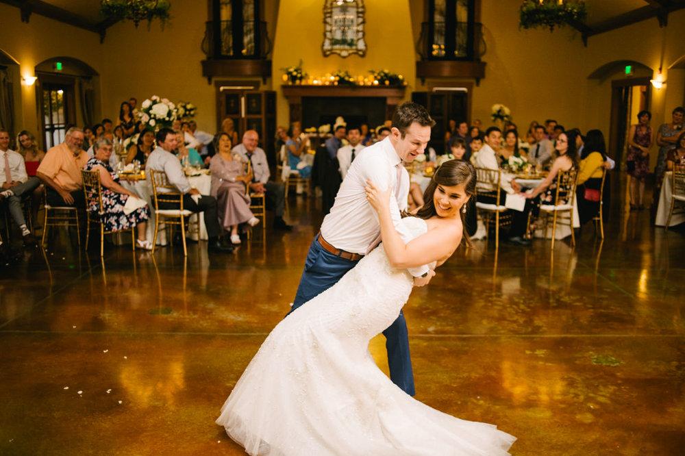 zenith-vineyards-salem-oregon-wedding-096.jpg
