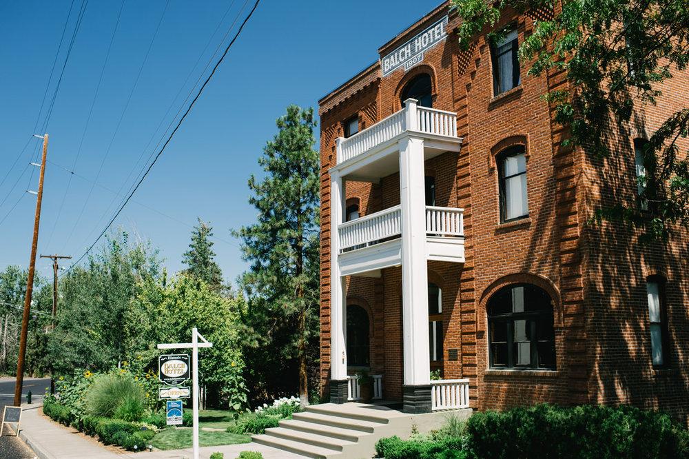 balch-hotel-dufur-oregon-wedding-029b.jpg