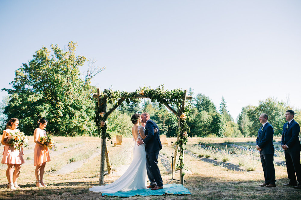 portland-farm-backyard-wedding-060.jpg