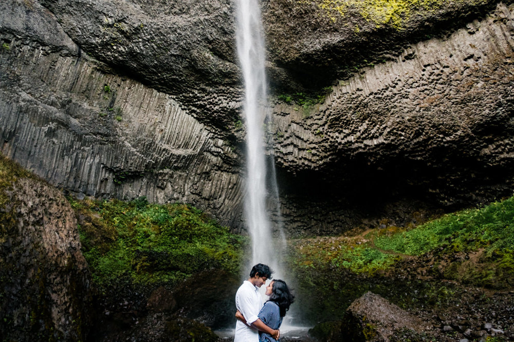 portland-latourell-falls-proposal-engagement-030.jpg
