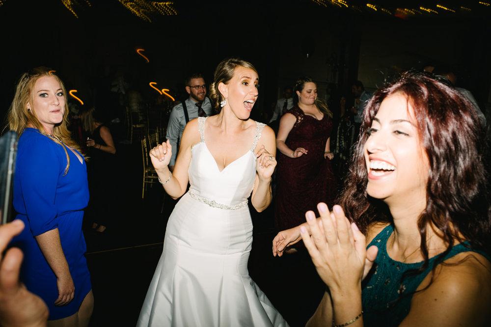 portland-elysian-ballroom-oregon-wedding-103.jpg