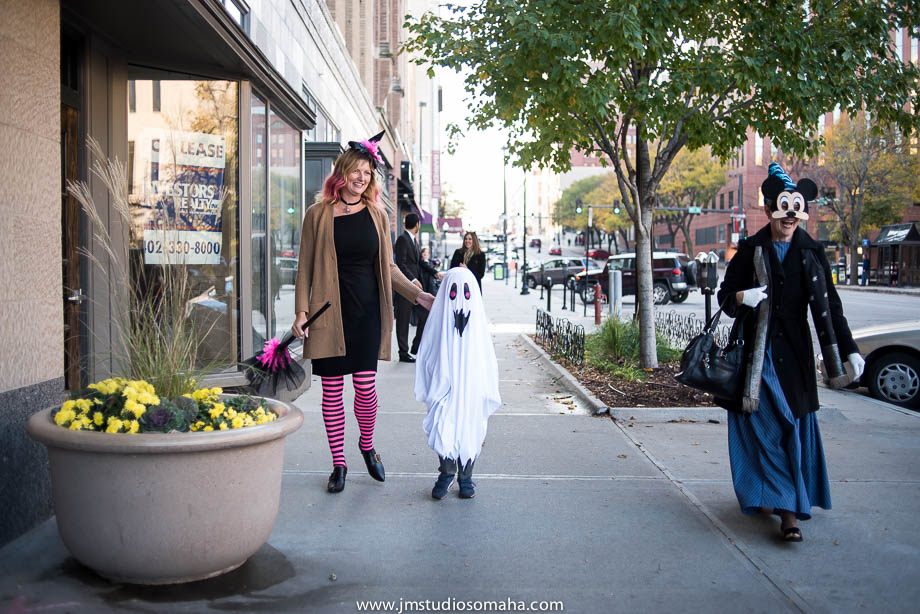 OMAHA WEDDING PHOTOGRAPHERS_HALLOWEEN WEDDING-0020.jpg