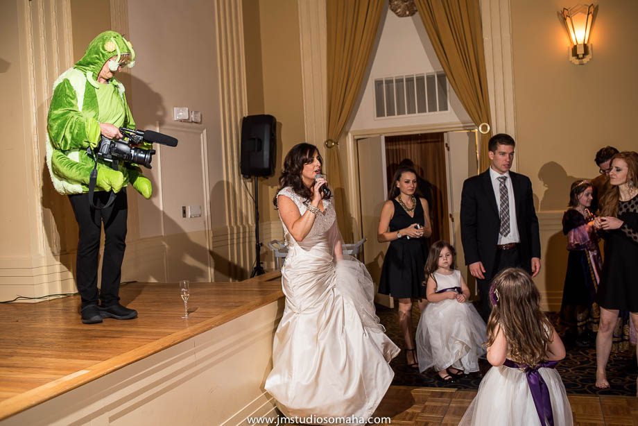 OMAHA WEDDING PHOTOGRAPHERS_HALLOWEEN WEDDING-0027.jpg