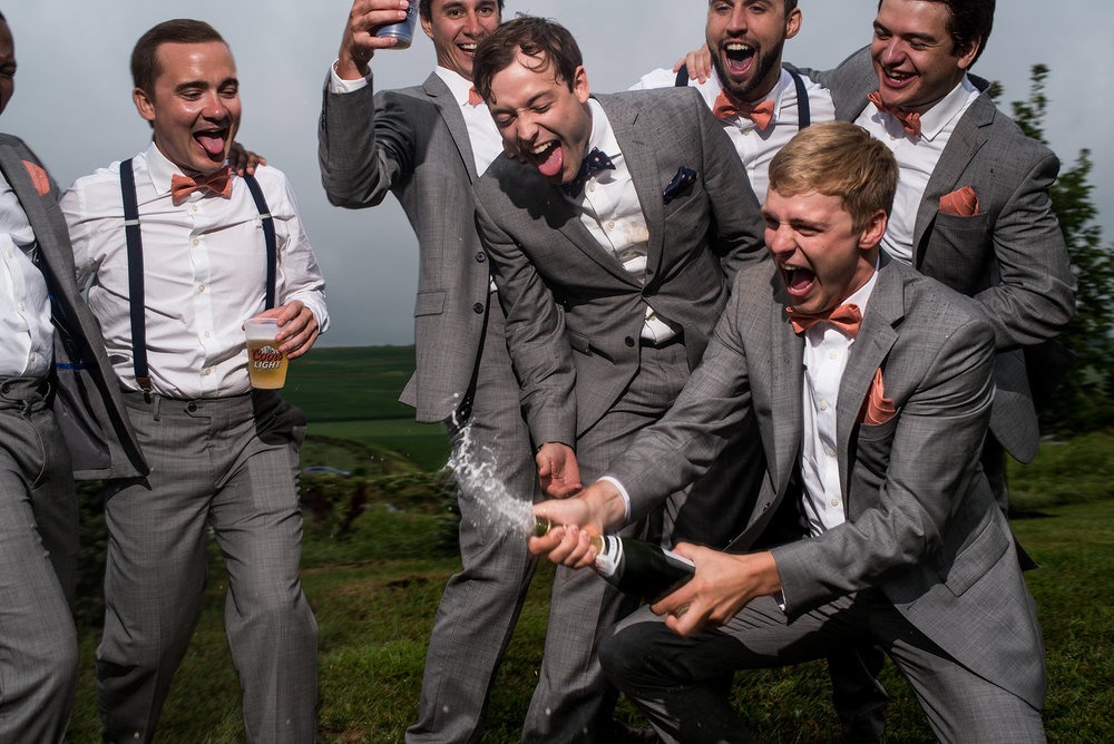 omaha candid wedding photographer_groomsmen