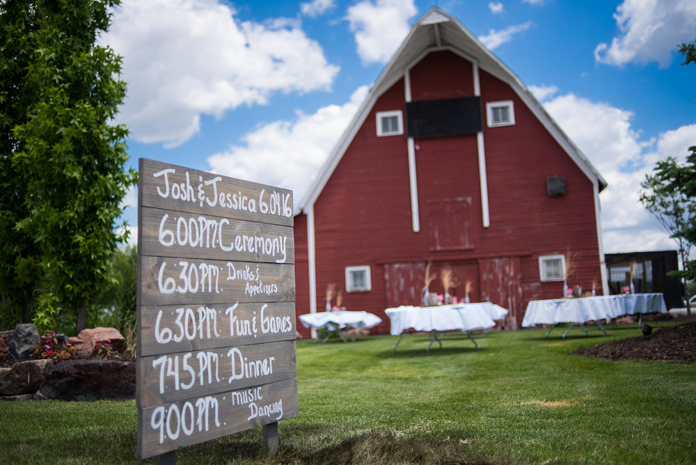 omaha barn weddings_omaha wedding photographers