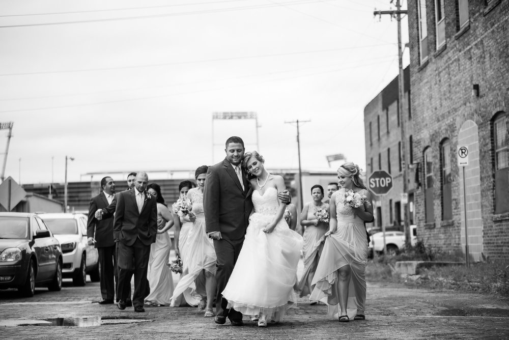 WEDDING-PHOTOGRAPHERS-IN-OMAHA-0017.jpg
