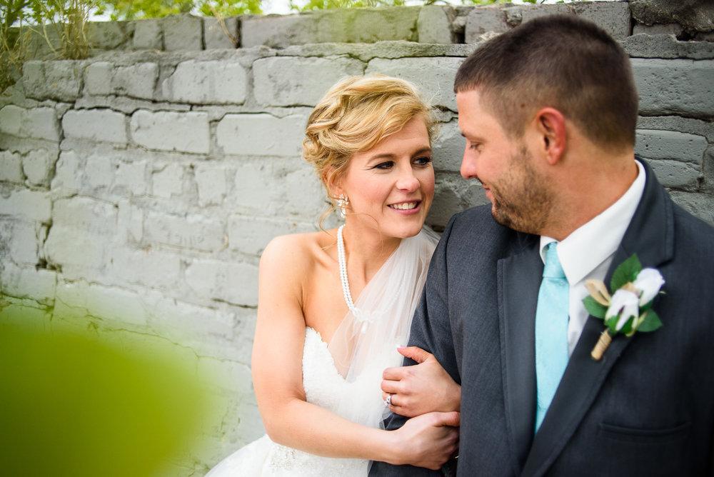 WEDDING-PHOTOGRAPHERS-IN-OMAHA-0020.jpg