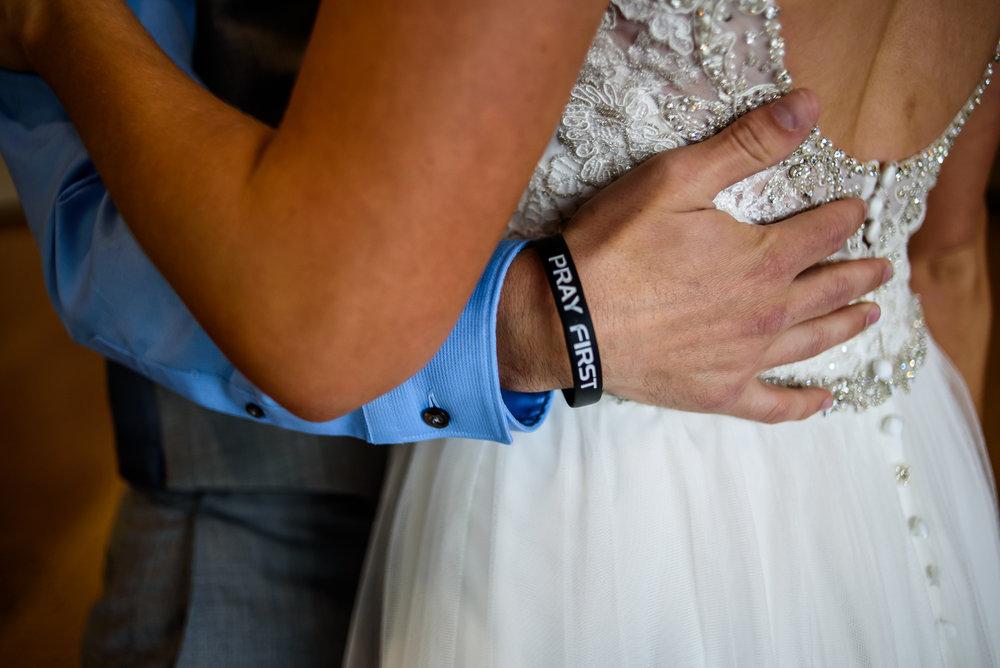 SIOUX-CITY-WEDDING-PHOTOGRAPHER-0010.jpg