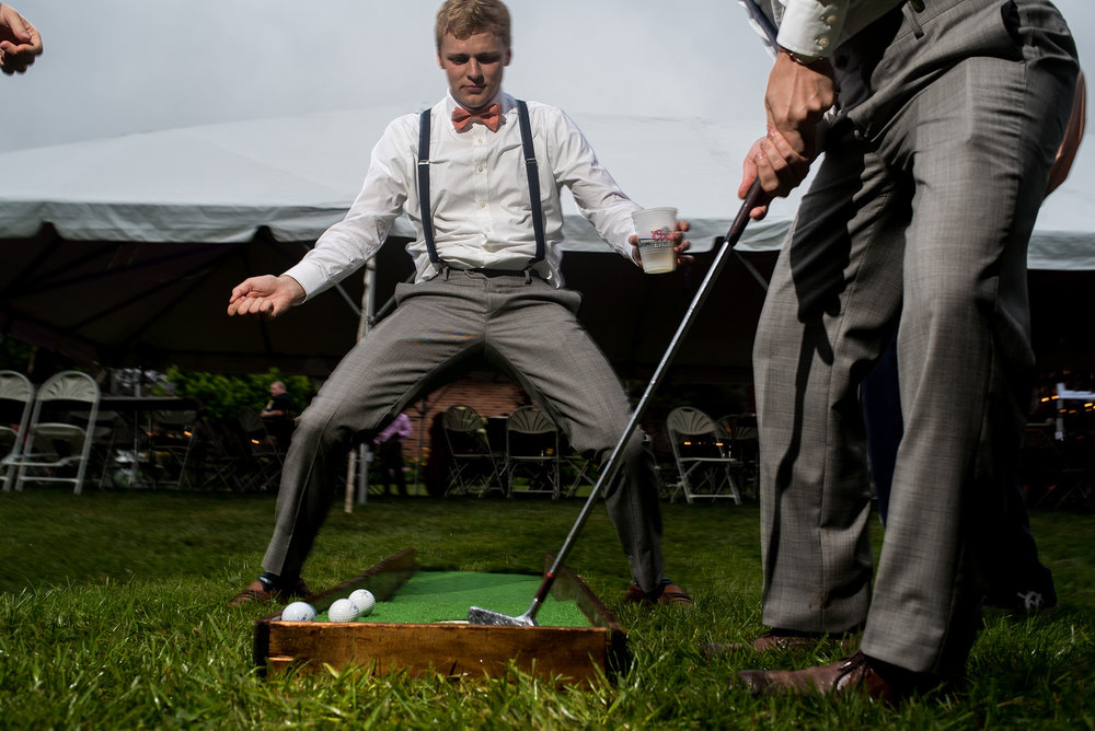 MINI GOLF AT OUTDOOR OMAHA WEDDING.jpg