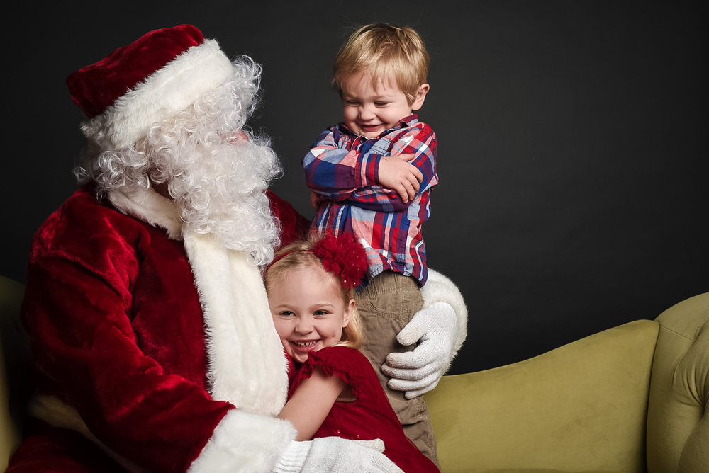 modern-santa-photos-omaha-family-photographer.jpg