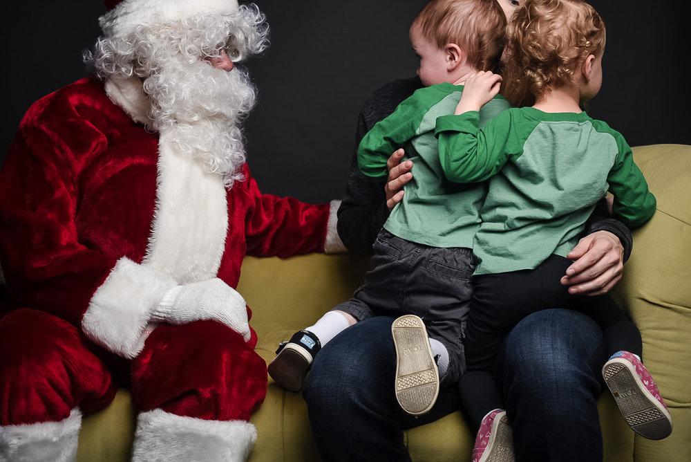 santa-photos-in-omaha-nebraska-family-photographer.jpg