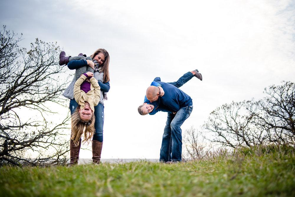 unique-omaha-family-photos.jpg