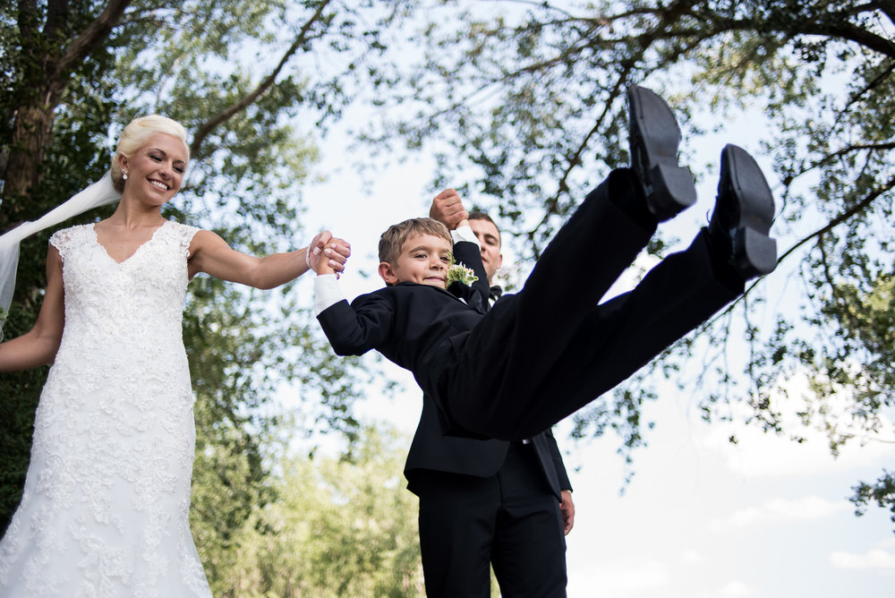 DAKOTA-DUNES-WEDDING-SOUTH-DAKOTA-WEDDING-PHOTOGRAPHER-0011.jpg