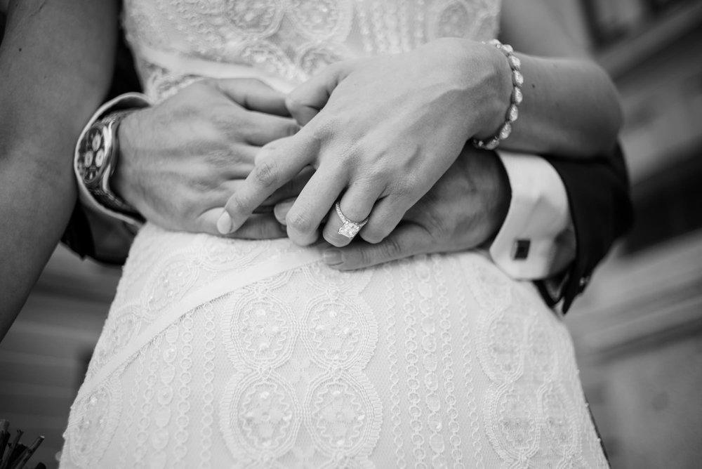 CHAMPIONS-CLUB-OMAHA-WEDDING-PHOTOGRAPHER-KAYLA-CHRIS-016.jpg