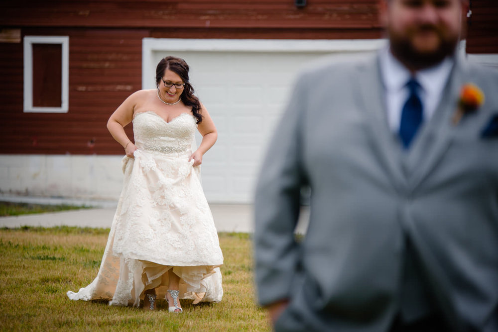 derek-sara-the-omaha-barn-ackerhurst-dairy-farm-0012-omaha-wedding-photographer-jm-studios.JPG