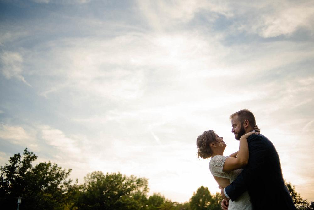lauritzen-garden-omaha-liz-daniel-omaha-wedding-photographer-jm-studios-36036.jpg