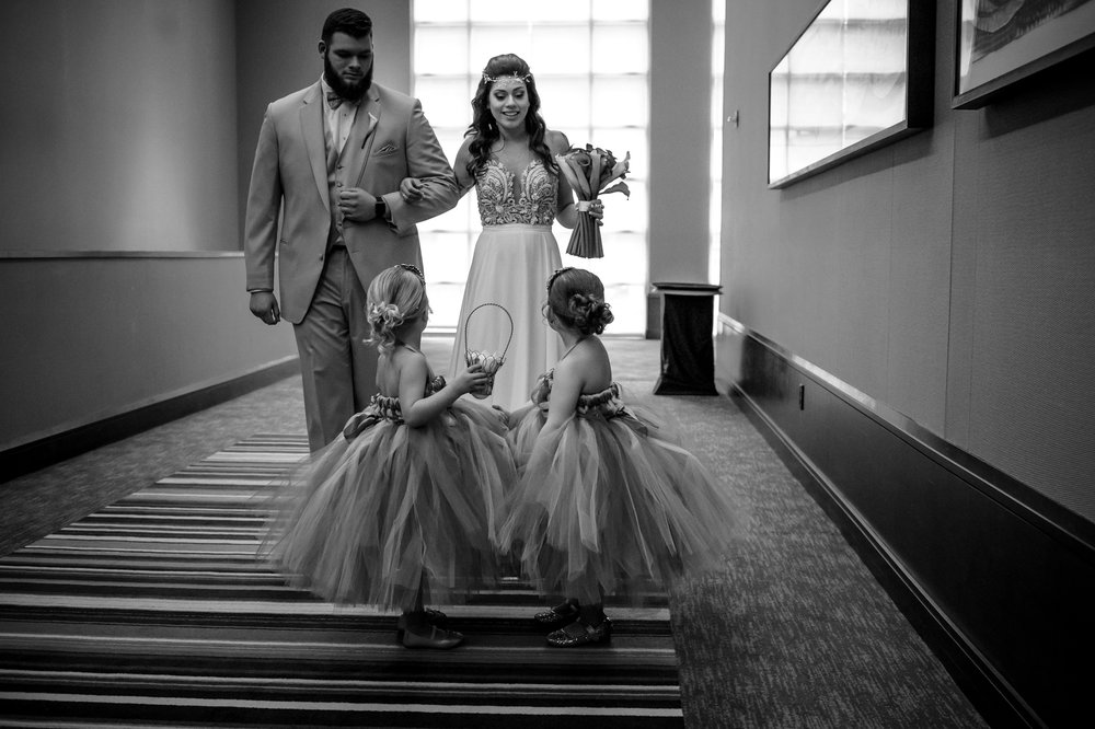 HILTON-OMAHA-WEDDING-PHOTOGRAPHER-JM-STUDIOS-OMAHA-LIV-BRICE-023.jpg