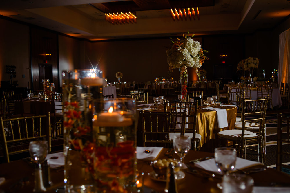 HILTON-OMAHA-WEDDING-PHOTOGRAPHER-JM-STUDIOS-OMAHA-LIV-BRICE-034.jpg