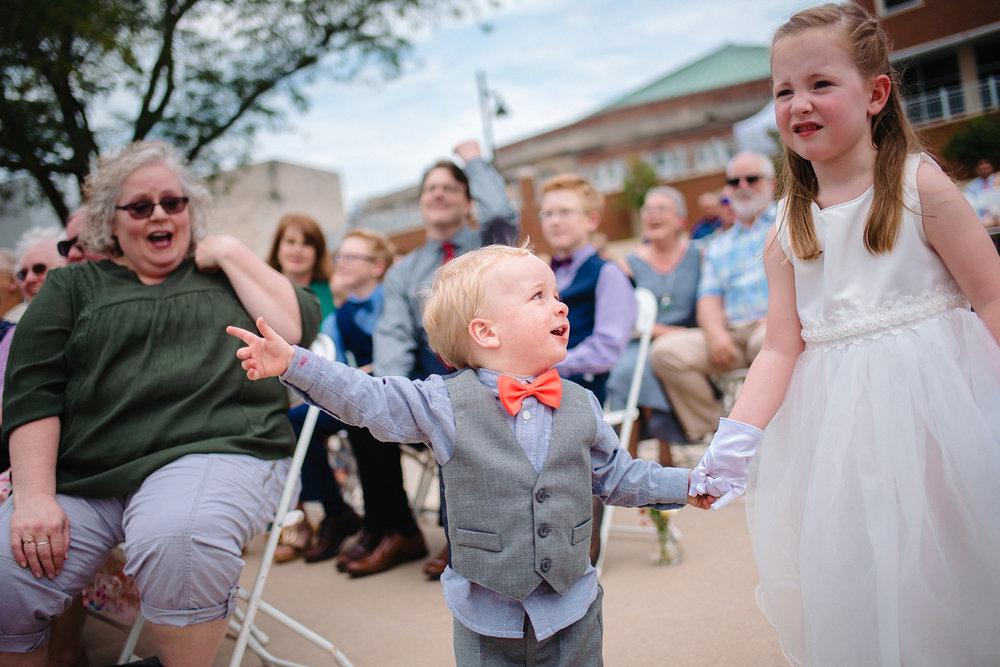iowa-wedding-photography-wedding-photojournalism-jm-studios-omaha-joshua-laura.jpg